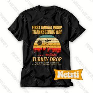 Thanksgiving wkrp turkey drop distressed Chic Fashion T Shirt